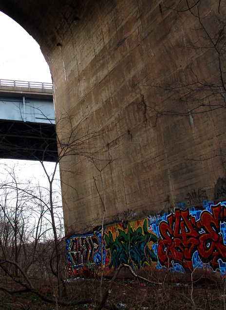 011505_color_under_bridge